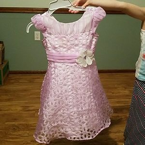 Other - ***SOLD***👗🌸Pretty spring dress🌸👗